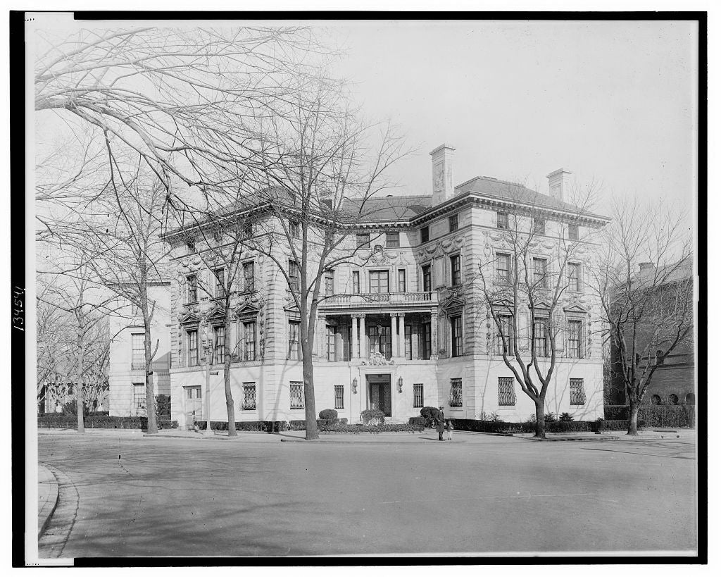 16 x 20 Reprinted Old Photo ofDupont Circle residence may be temporary White House 1927 National Photo Co  90a