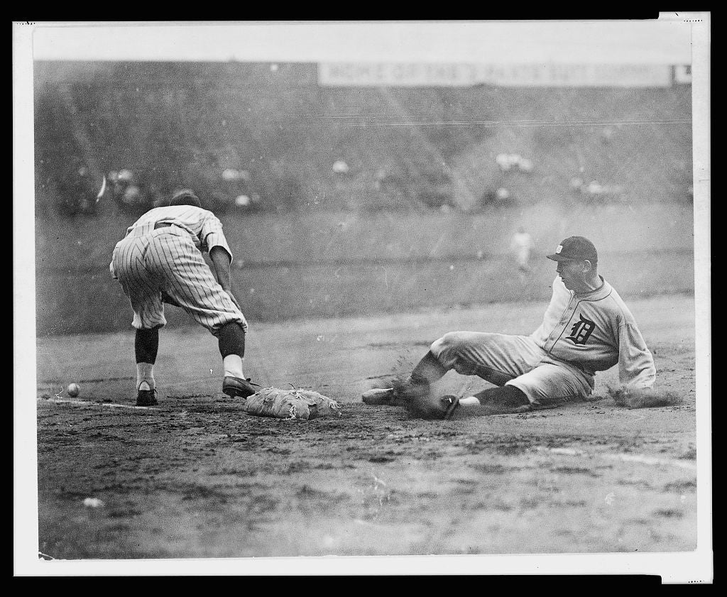 16 x 20 Reprinted Old Photo of[Detroit ball player slides safely into third base as fielder reaches to the left for ball on the ground during baseball game] 1920 National Photo Co  21a