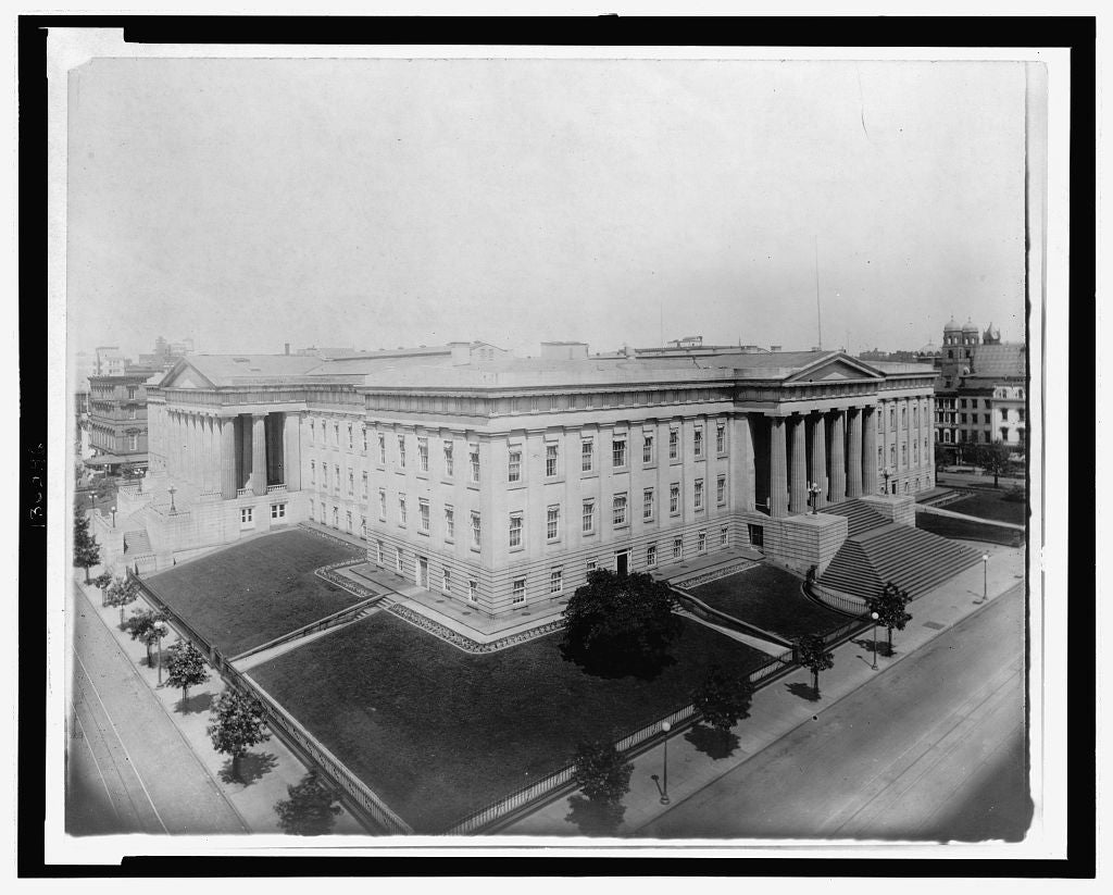 8 x 10 Reprinted Old Photo of [Aerial view of the U.S. Patent Office, Washington, D.C.] 1920 National Photo Co  62a
