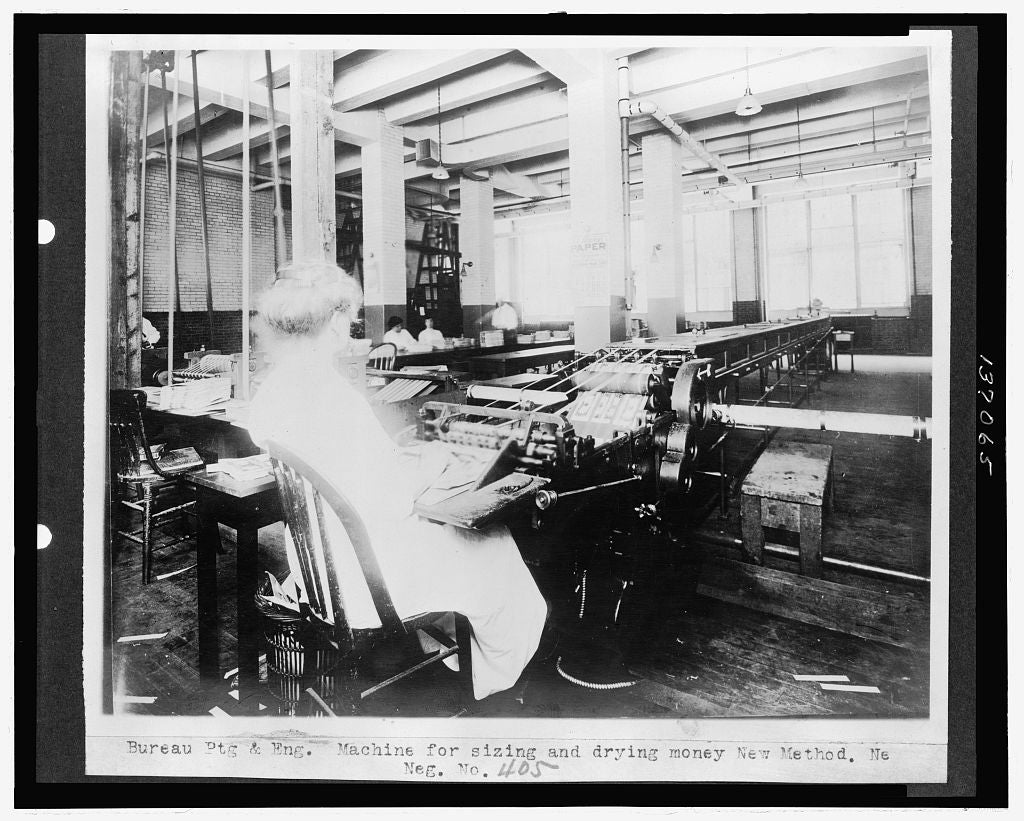 16 x 20 Reprinted Old Photo ofBureau Ptg. & Eng. Machine for sizing and drying money, New Method 1921 National Photo Co  00a