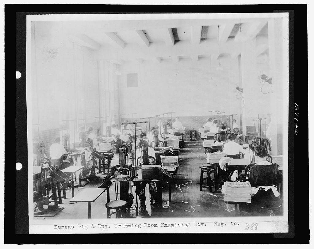 16 x 20 Reprinted Old Photo ofBureau Ptg. & Eng. Trimming room, Examining Div. 1921 National Photo Co  97a