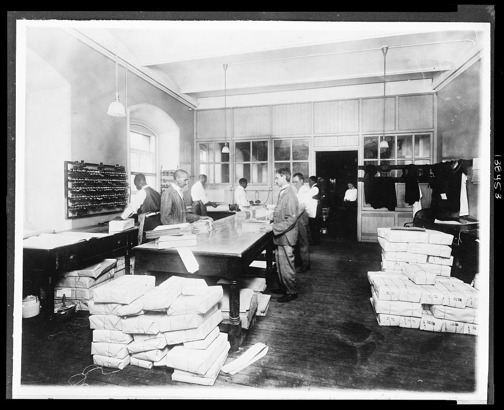 8 x 10 Reprinted Old Photo of Treasury. Packing internal revenue stamps for shipment Stamps to the value of $1,000,000 packed daily. 1921 National Photo Co  26a