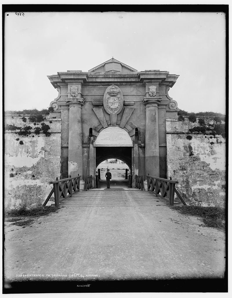 16 x 20 Gallery Wrapped Frame Art Canvas Print of Entrance to Cabanas Castle Havana 1900 Detriot Publishing co.  92a
