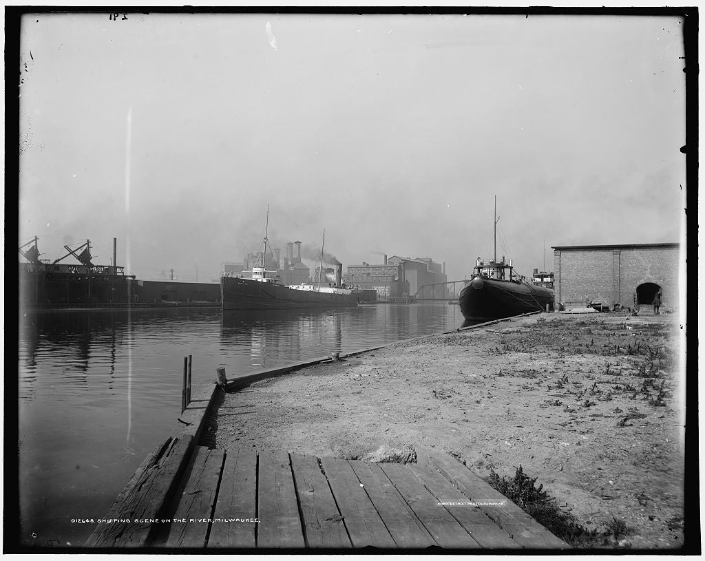 16 x 20 Gallery Wrapped Frame Art Canvas Print of Shipping scene on the river Milwaukee 1900 Detriot Publishing co.  13a