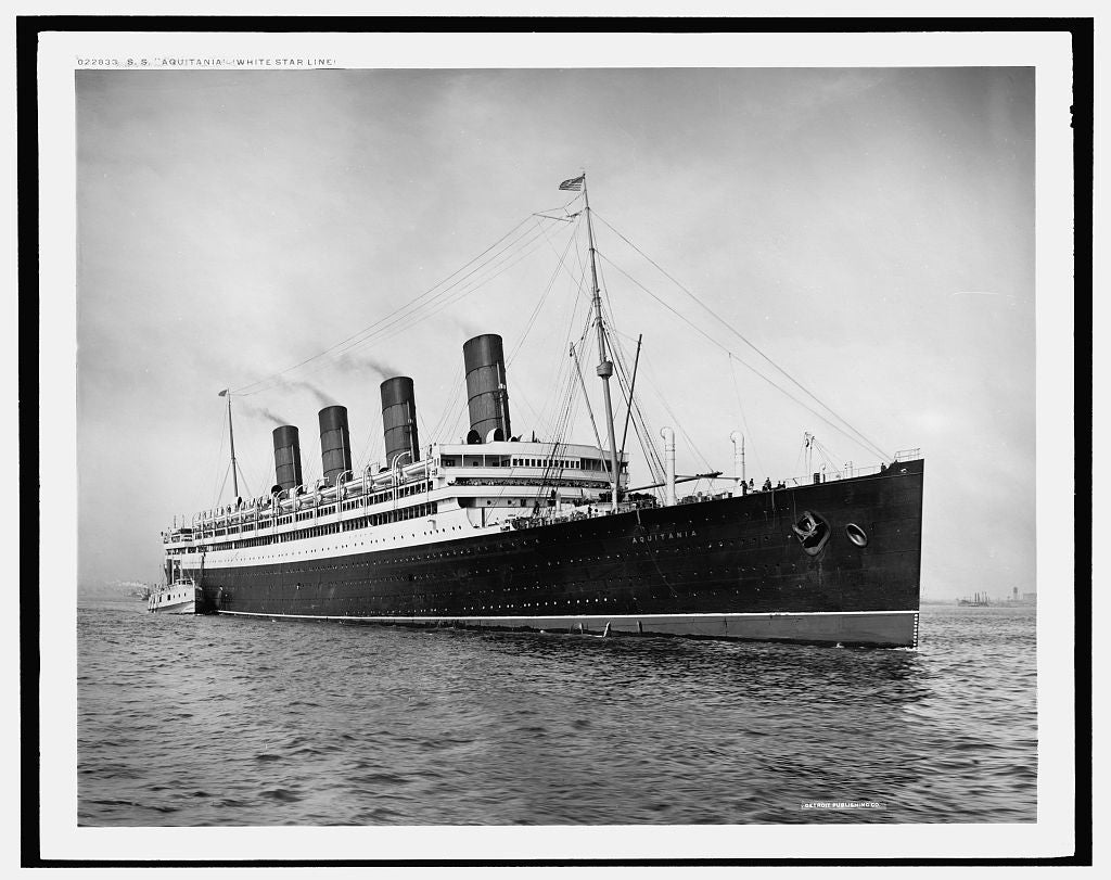 16 x 20 Gallery Wrapped Frame Art Canvas Print of S S Aquitania White Star Line 1917 Detriot Publishing co.  57a