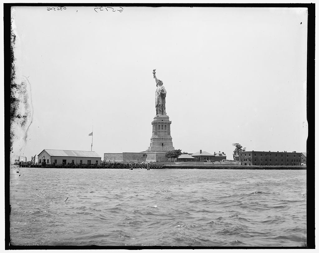 16 x 20 Gallery Wrapped Frame Art Canvas Print of Statue of Liberty and Bedloe's Island New York N Y  1913 Detriot Publishing co.  33a