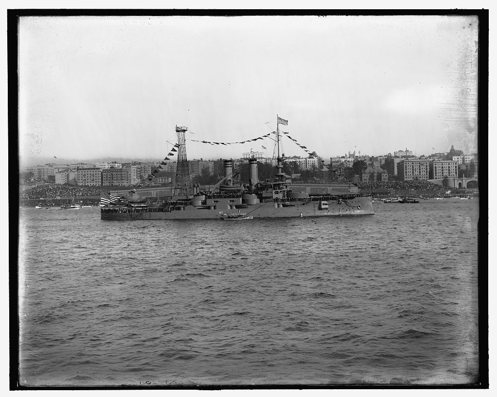 16 x 20 Gallery Wrapped Frame Art Canvas Print of U S battleship Mississippi 1909 Detriot Publishing co.  00a