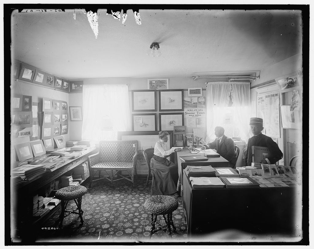 16 x 20 Gallery Wrapped Frame Art Canvas Print of Florida Mr Foster's office at Palm Beach 1902 Detriot Publishing co.  17a