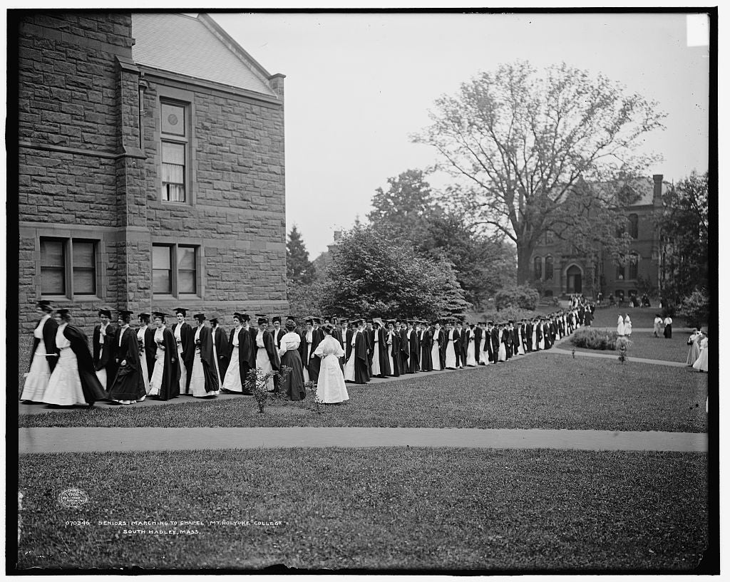 16 x 20 Gallery Wrapped Frame Art Canvas Print of Seniors marching to chapel Mt Mount Holyoke College South Hadley Mass  1908 Detriot Publishing co.  15a