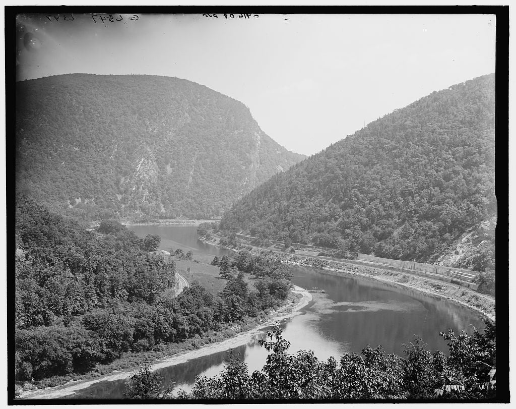 16 x 20 Gallery Wrapped Frame Art Canvas Print of Delaware Water Gap from Prospect Rock Delaware Water Gap Pa  1902 Detriot Publishing co.  15a