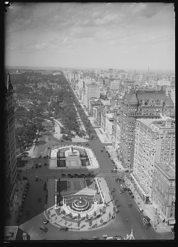 16 x 20 Gallery Wrapped Frame Art Canvas Print of Fifth Avenue and the Plaza north toward Central Park New York N Y  1920 Detriot Publishing co.  22a