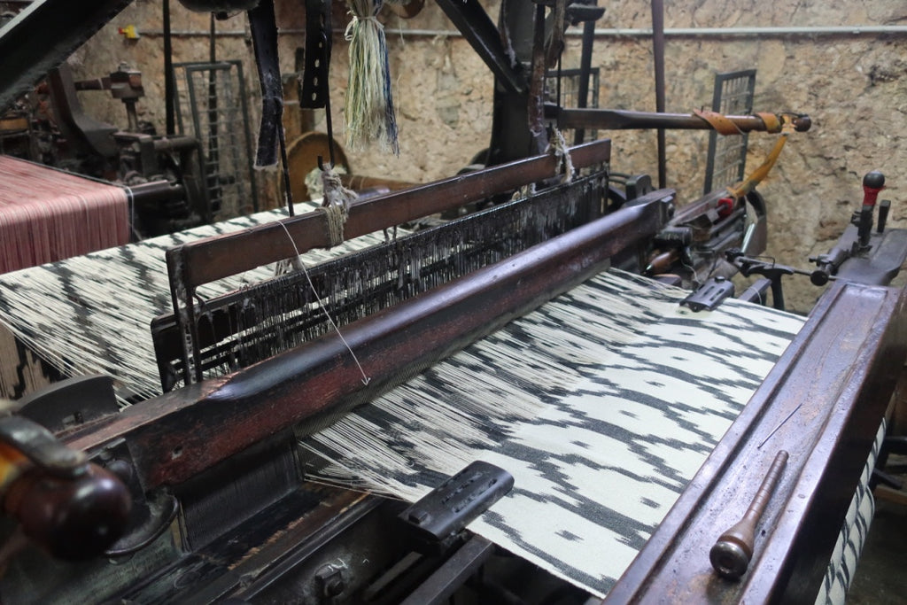 ikat loom black diamond pattern