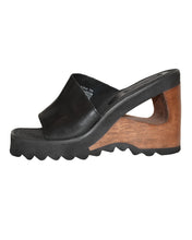 CUT OUT PLATFORM - WOMEN'S SIZE 7