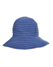 STRIPED BUCKET HAT