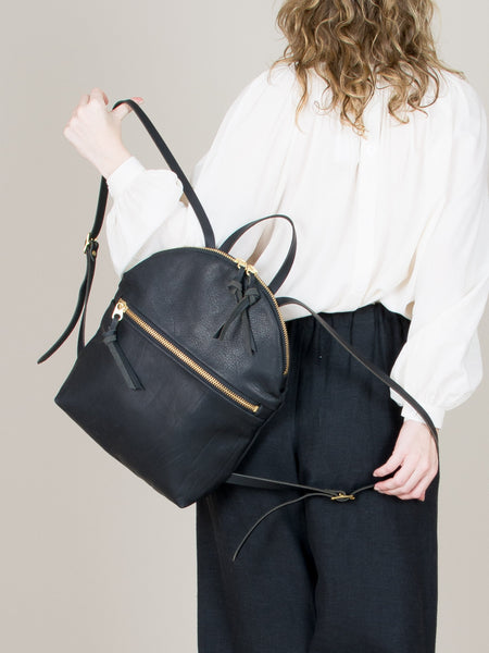 Anni Large Backpack: Black Front Zip