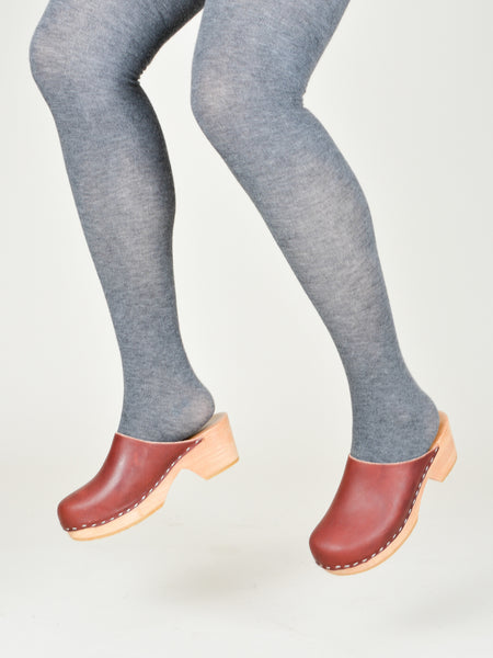 Run Pony Pony: Simple Clogs - Oxblood