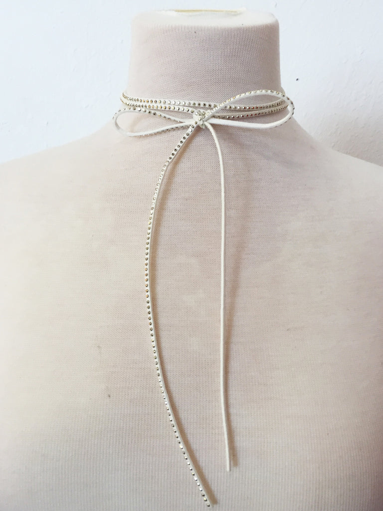 hey stud double wrap choker in white