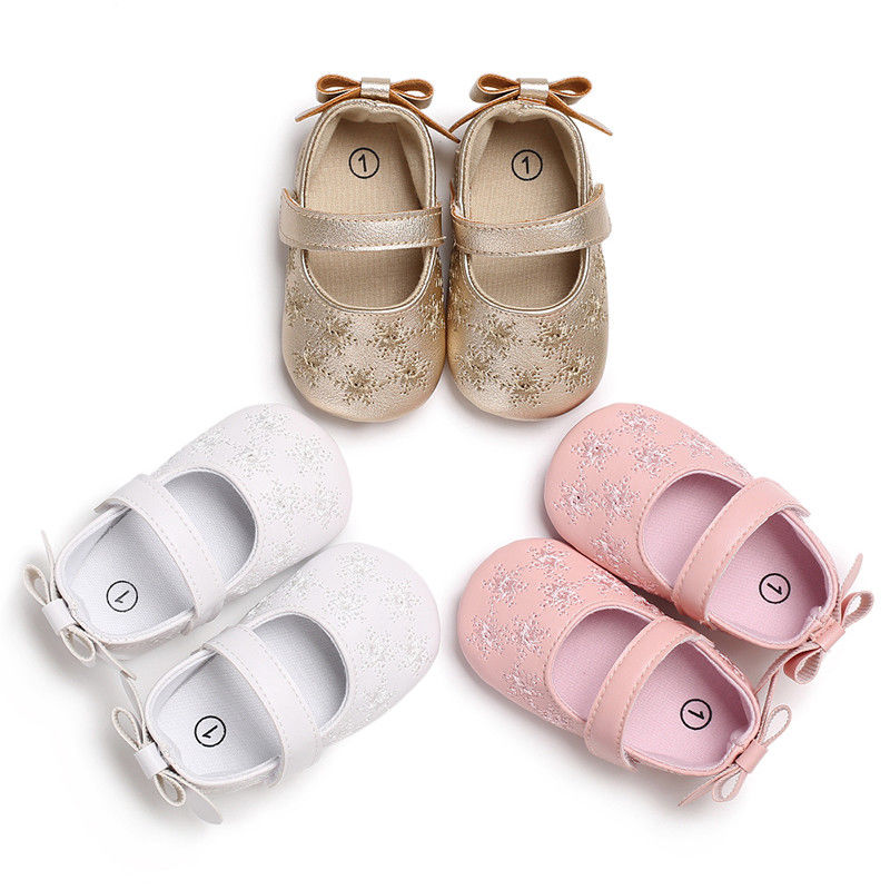 158b1e5bd8e9 Princess Baby Kids Girls PU Leather Shoes Cute Lovely Toddler Moccasin Soft  Snowflake Fretwork Casual Babies