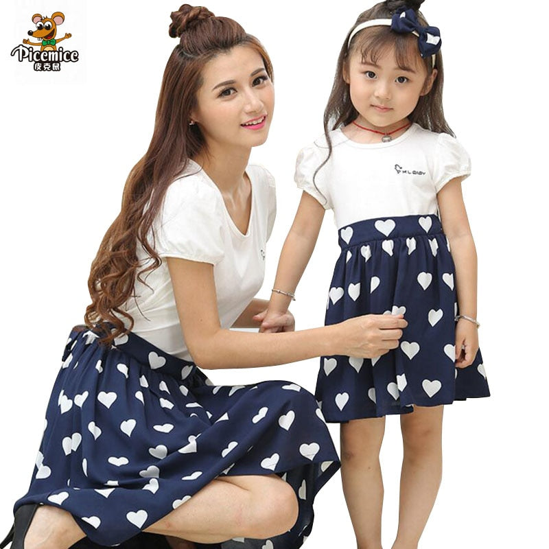 6f4876295348 Mother Daughter Dresses Matching Family Clothing 2018 Summer Mom Daughter  Dress Love heart Girl Women Cotton