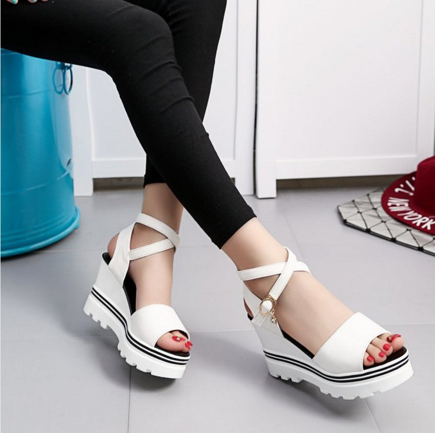 77b90ea29b63 Summer Korean muffin fish head women sandals with platform sandals wild  simple shoes shook with students