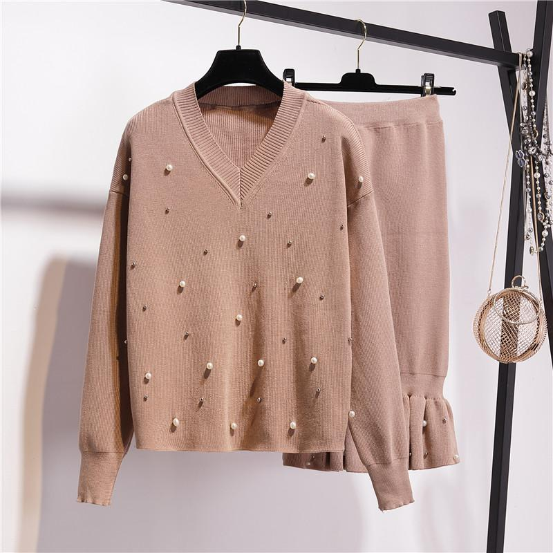 00297b3e2f190 2018 Winter Plus Size Women Knitting Sets Solid V-Neck Pearls Beading  Pullover Sweater Top