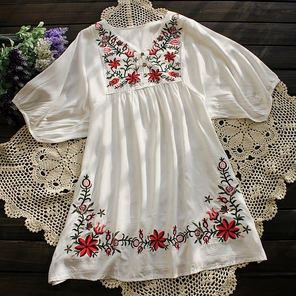 2018 Summer Women Mexican Embroidered Floral Peasant Blouse Vintage Ethnic Tunic Retro Boho Hippie Clothes Loose Tops Blusas