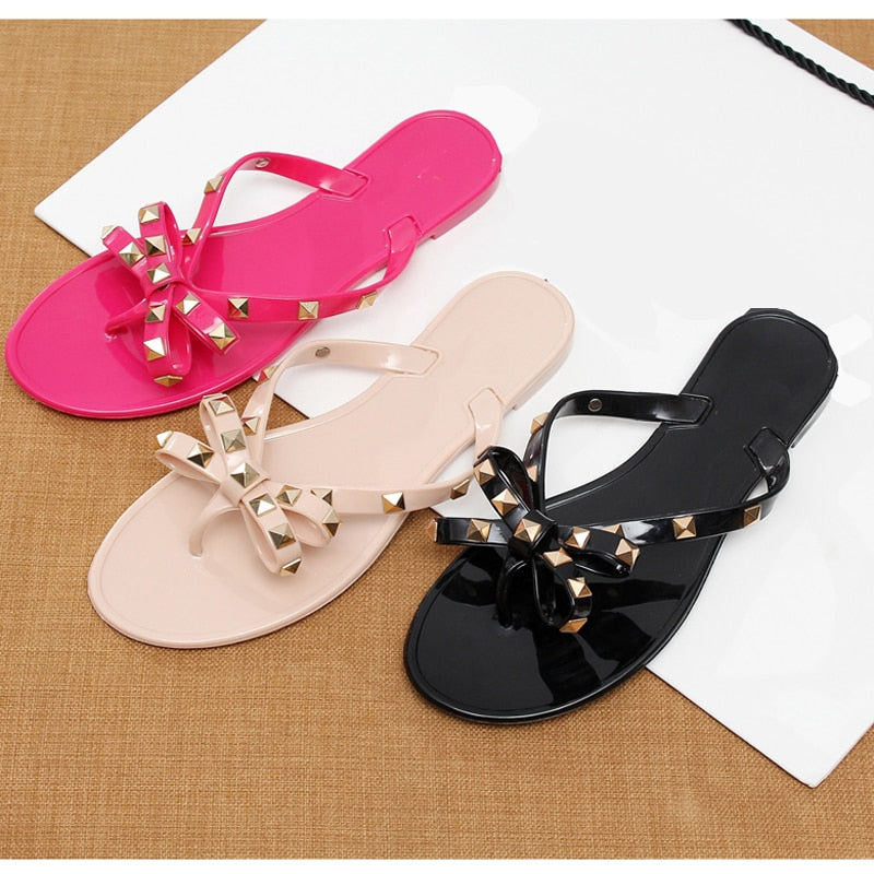 2018 fashion women sandals flat jelly shoes bow V flip flops stud beach  shoes summer rivets db4df165e640