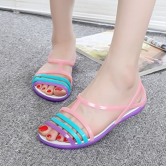 Women Sandals 2018 Summer Candy Colors Women Shoes Peep Toe Stappy Beach Rainbow Croc Jelly Shoes Woman Flats