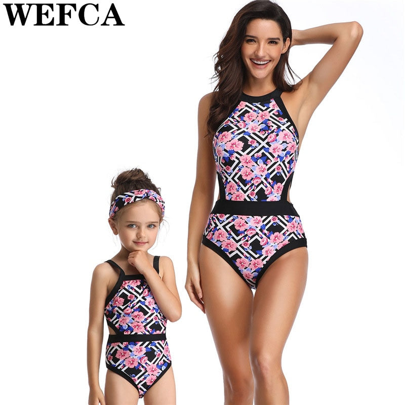 e31b32e7436c0 2019 New Style Mother and Daughter Family Swimsuit Mommy Me Beach Bikini  Outfits Mom Mum Kids
