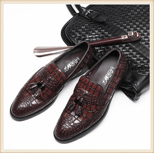 Men Genuine Leather Flat Wedding Shoes Mens Burgundy Black Business Formal  Shoes Gentleman Party Tassel Shoes 6738c736c2fb