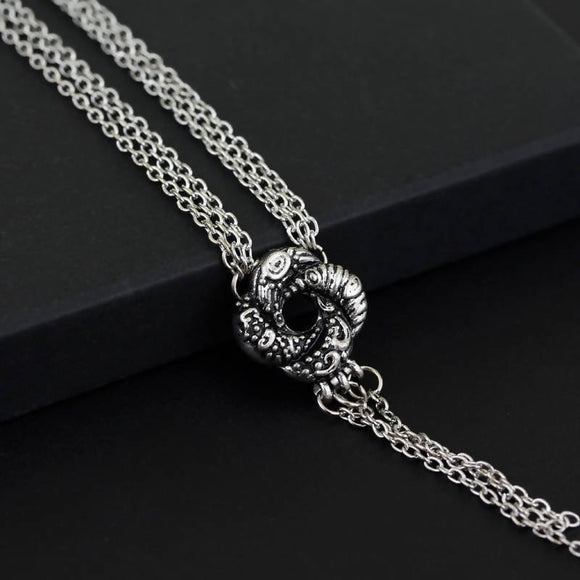 Movie 007 Algerian Loveknot Necklace Vesper Lynd Casino Royale Bond Girl Love Knot Necklace Vintage Silver Plated Women Jewelry