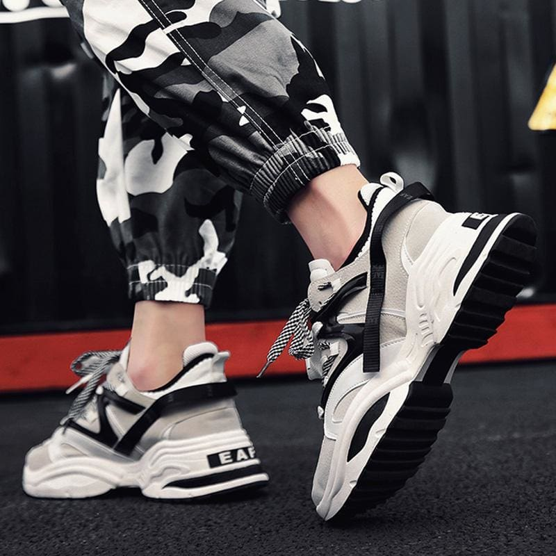 e98828b5e Ins Vintage Dad Sneakers Kanye West 700 Light Breathable Men Casual Shoes  Zapatillas For Men Casual