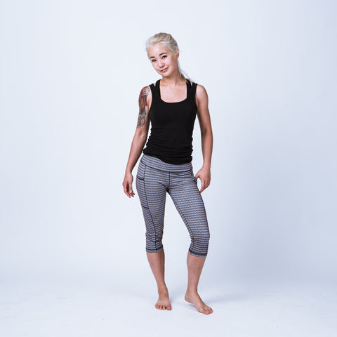 Chainmail pocket capris, women's armor leggings with pockets