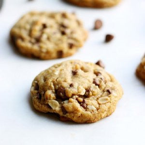 Easy bake lactation cookies to boost lactation