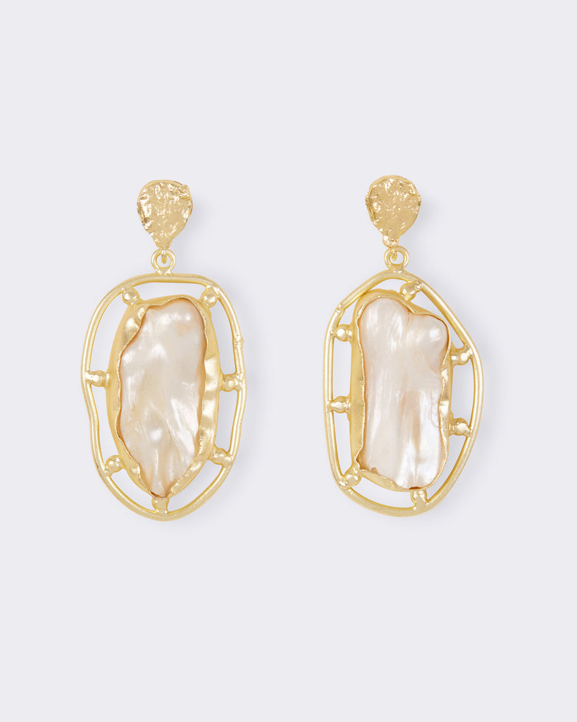 Aura Pearl Earrings