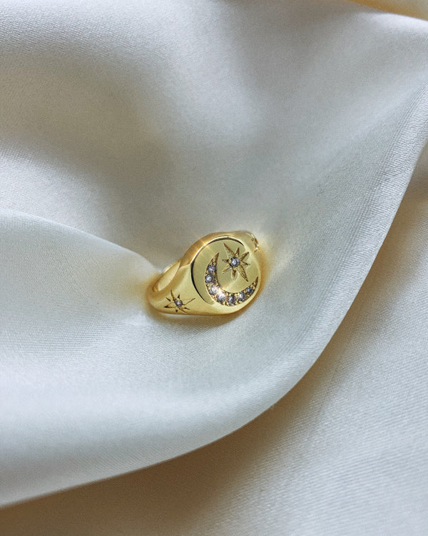 Lune Signet Ring