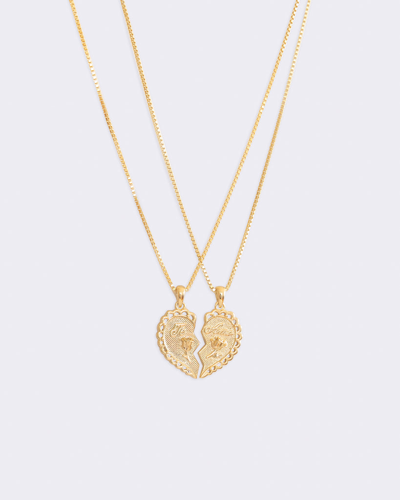 Te Amo Necklace Set