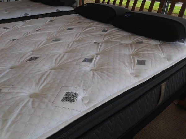 Mattress_Sealy XL Twin Gilded Breath Pillowtop_sleep-bargains