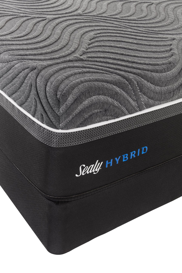 Sealy Silver Chill Hybrid Plush Queen Mattress Mattress Sealy