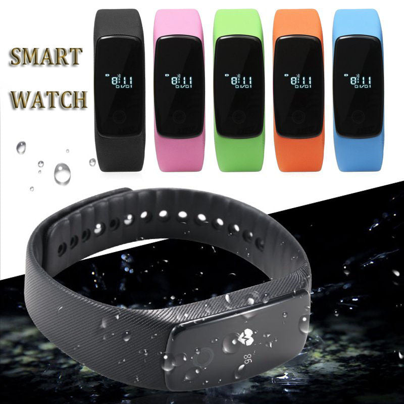 Smart Watch with Heart Monitor For iPhone And Android in water