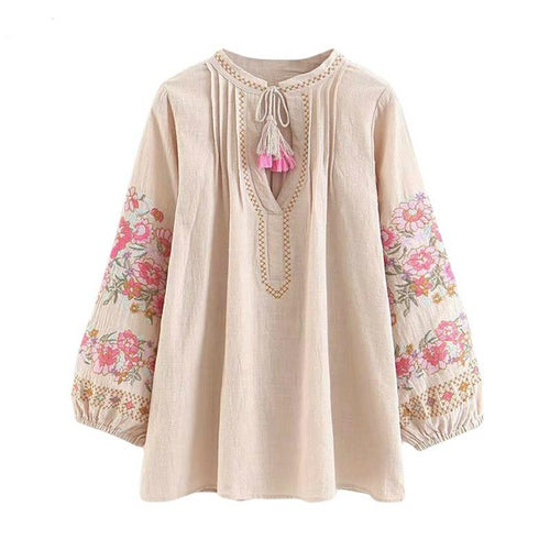 Fashionable Top with Tassels in Bohemian style