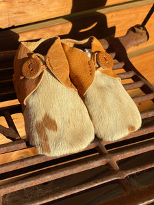 Baby cowhide booties Tan