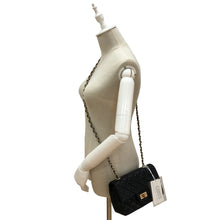 Load image into Gallery viewer, Women's genuine cowhide leather anti-scratch handbag Vyar V2 design by Tomorrow Closet