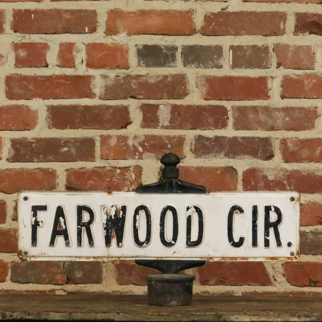 Farwood Circle Street-Post Sign