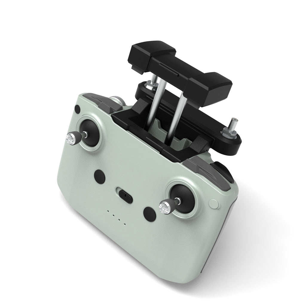 The controller of the modified DJI Mavic air 2 / Mini 2 can be equipped with an external ALIENTECH antenna.