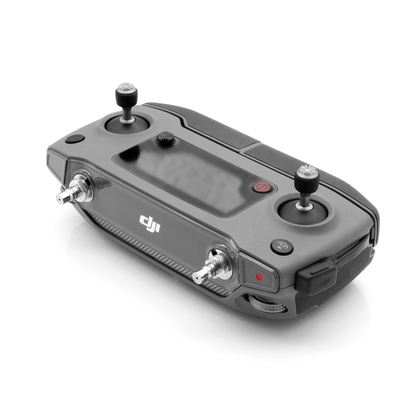 The controller of the modified DJI Mavic 2 Pro / Zoom can be equipped with an external ALIENTECH antenna.