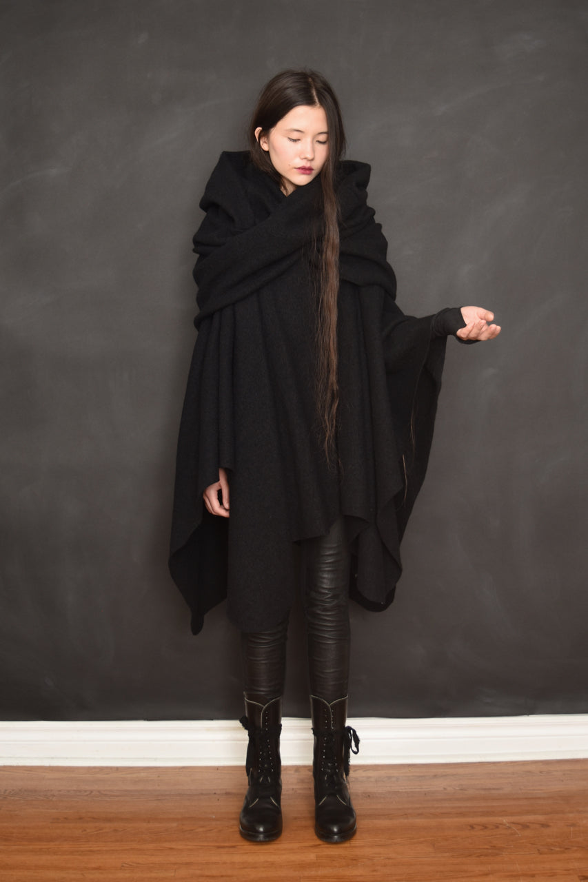 Archive: Mythic Cape Pure Wool (Black, Limited Edition)