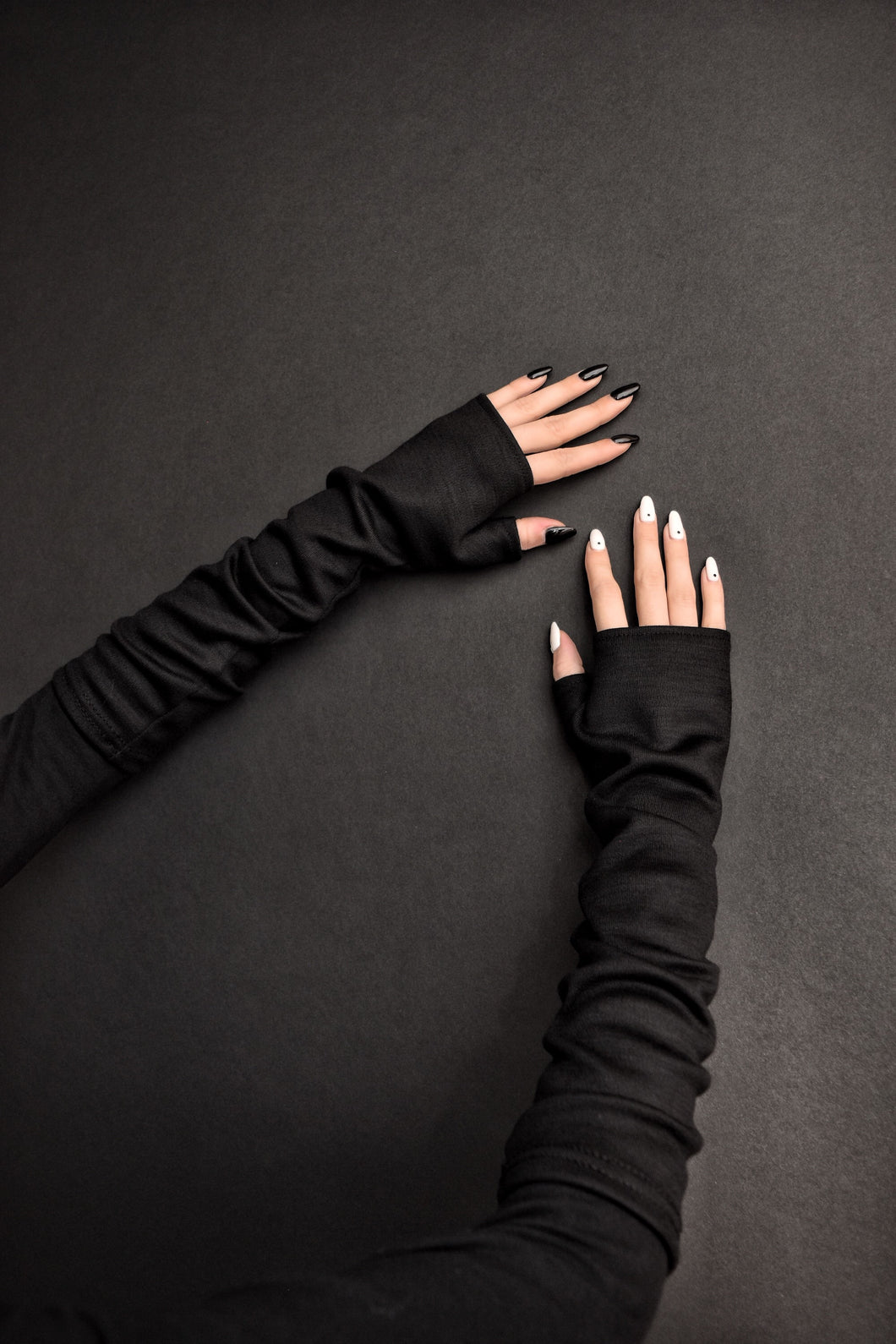 Capsule FW19: Fingerless Gloves in Stretch Wool (Black)
