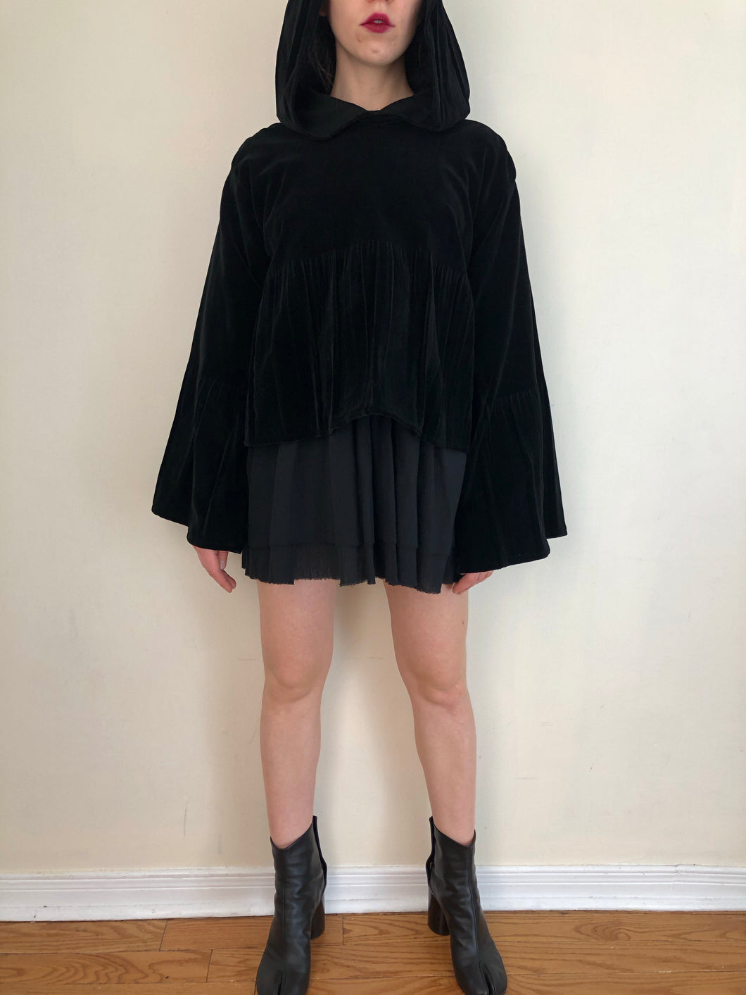 Sample Sale 2021: Bell Sleeve Hoodie in Cotton Velvet (S/M)