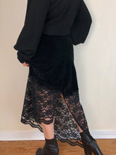 Sample Sale 2021: Pencil Skirt in Cotton Velvet and Lace (S)